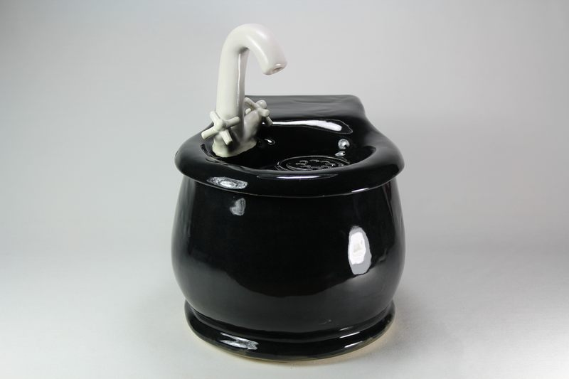cordless round pet drinking fountain with internal battery