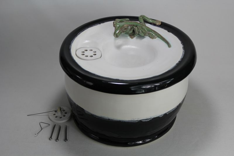 Ebi S Ceramic Pet Drinking Fountains Battery Operated