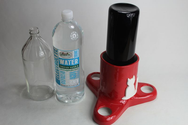 pumpless cat waterer with or without 1 liter Miron bottle